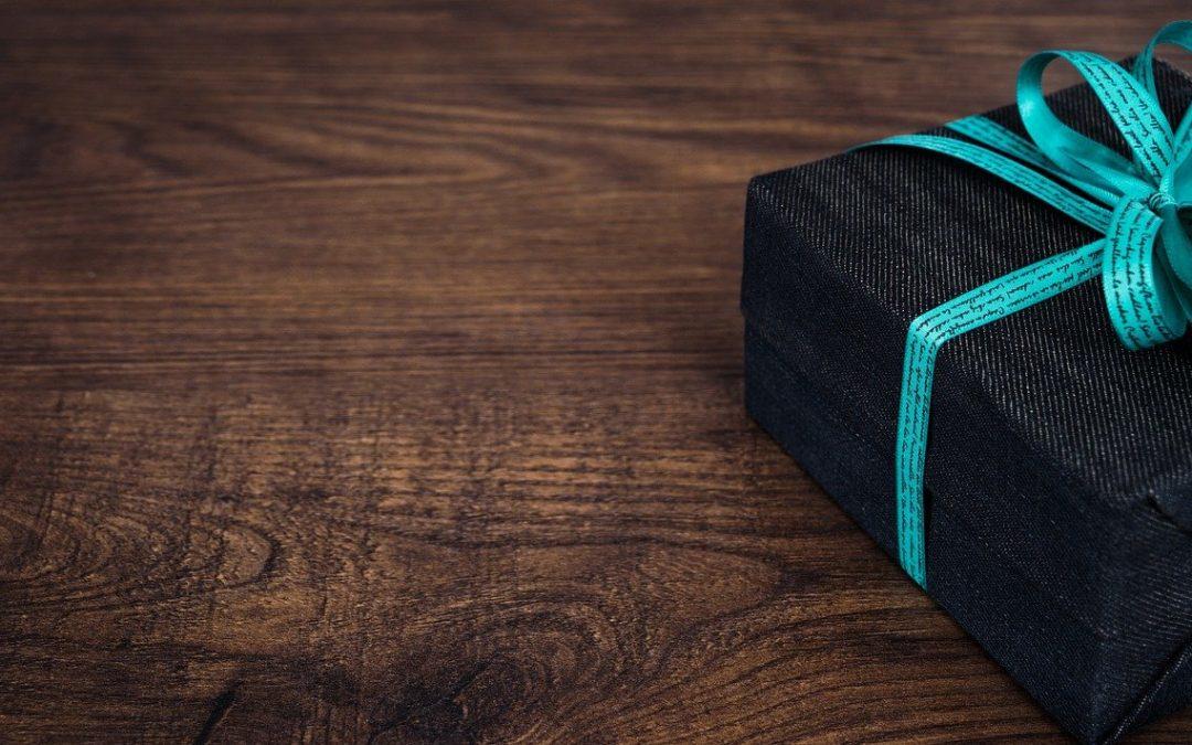 Où trouver les meilleurs cadeaux pour surprendre vos proches ?