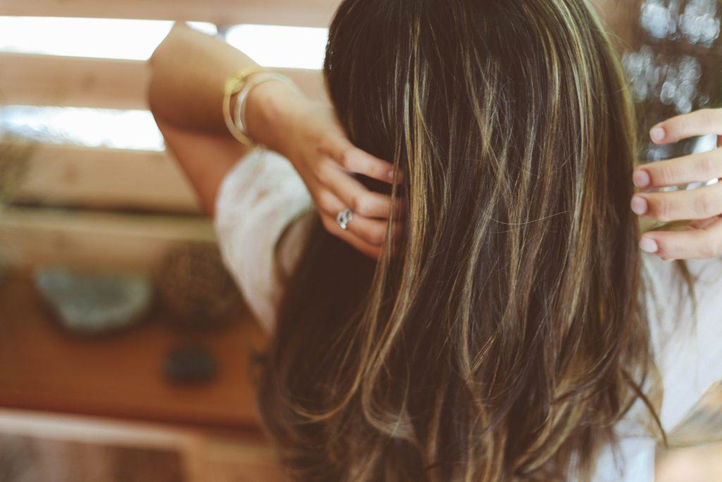 Cheveux-femme-de-dos