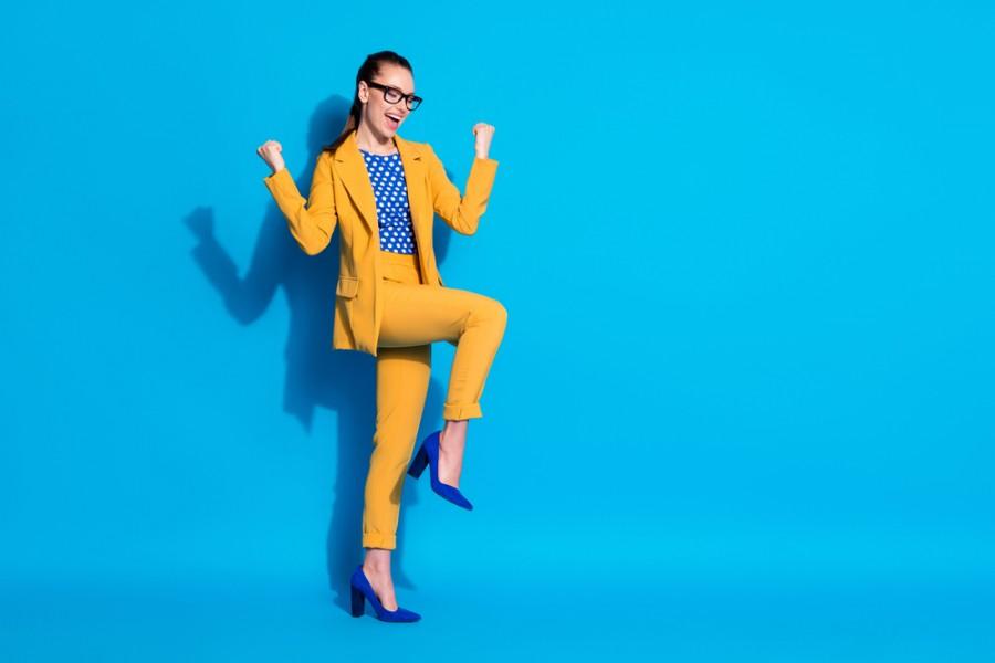 L'ensemble veste pantalon femme, la tenue classe indémodable